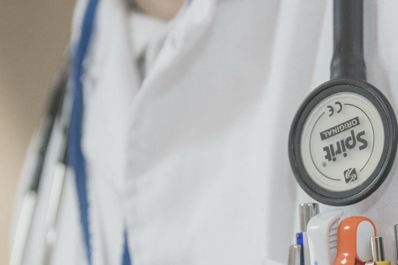 5 Ways to Reduce Medical School Debt