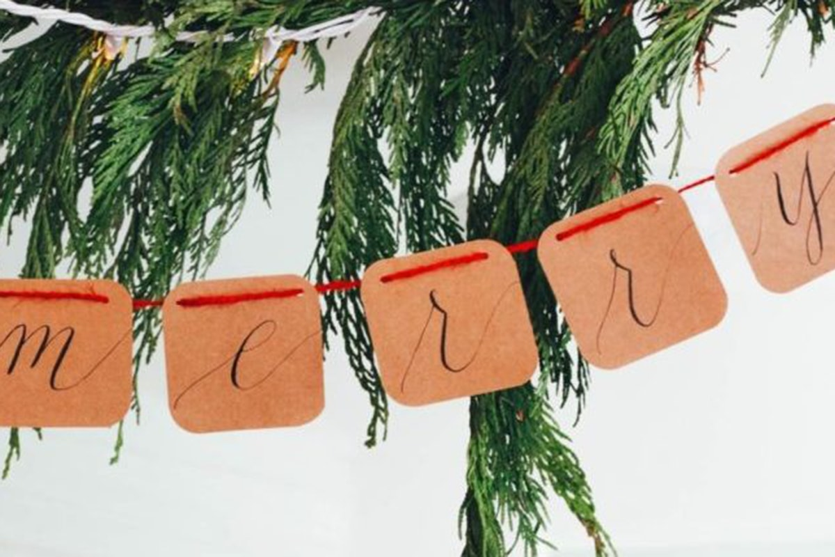 5 Tips for Spreading Holiday Cheer to Employees
