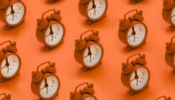 clocks representing how often to refinance student loans