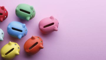 Piggy banks symbolizing the amount you can save by refinancing student loans